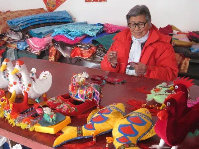 打造传统民俗文化产业